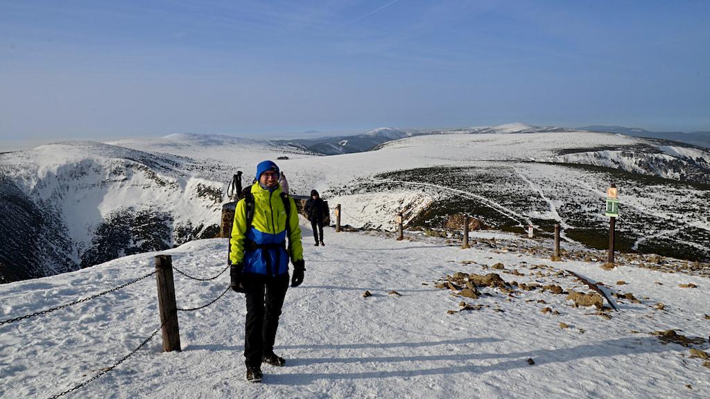 Główny Grzbiet Karkonoszy widziany ze Śnieżki