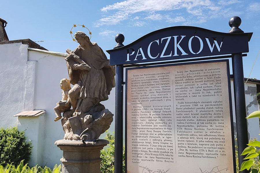 Pamnik św. Nepomucena w Paczkowie
