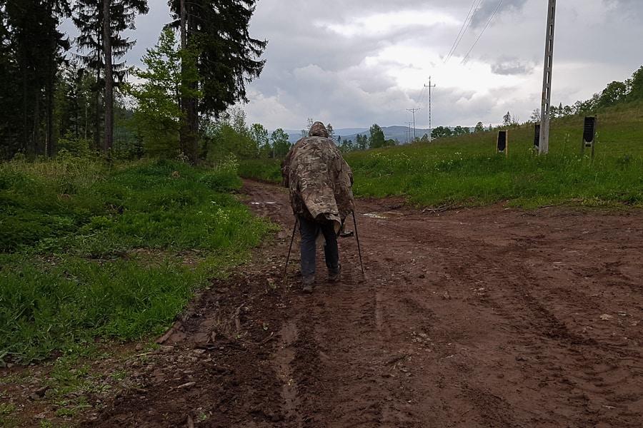 trasa-szczeliniec-nowa-huta-rozjezdzona-droga-lesna-przed-scinawka