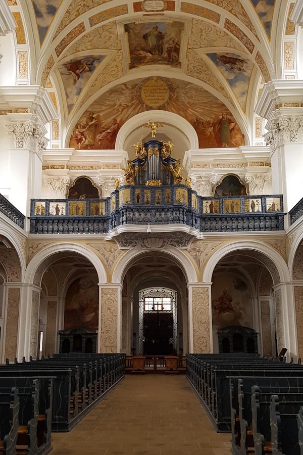 krzeszow-klasztor-europejska-perla-baroku-dolny-slask-kosciol-sw-jozefa