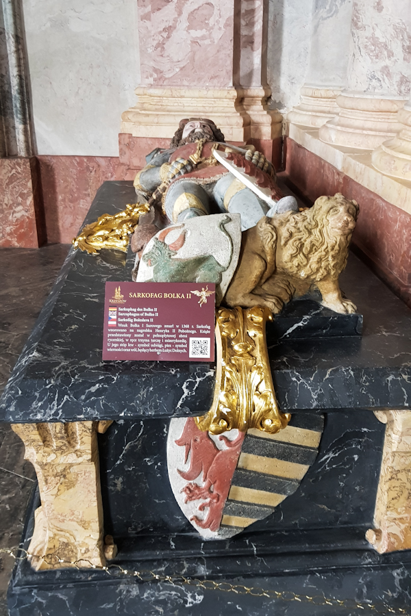 gss-dzien-13-krzeszow-klasztor-europejska-perla-baroku-dolny-slask-mauzoleum-piastow-slaskich-sarkofag