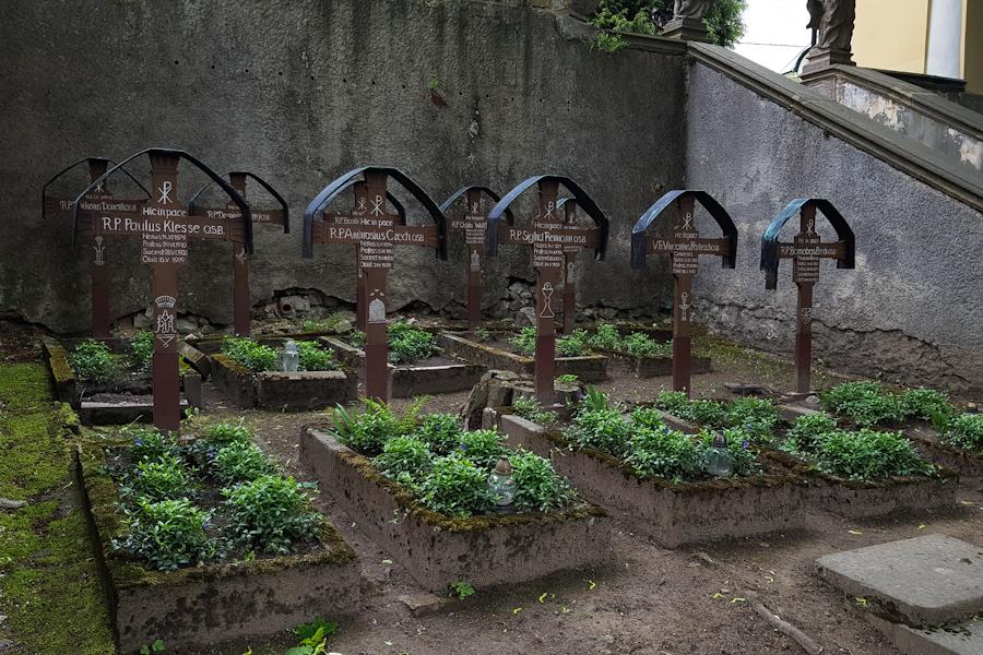 gss-dzien-13-krzeszow-klasztor-europejska-perla-baroku-dolny-slask-cmentarz-klasztorny