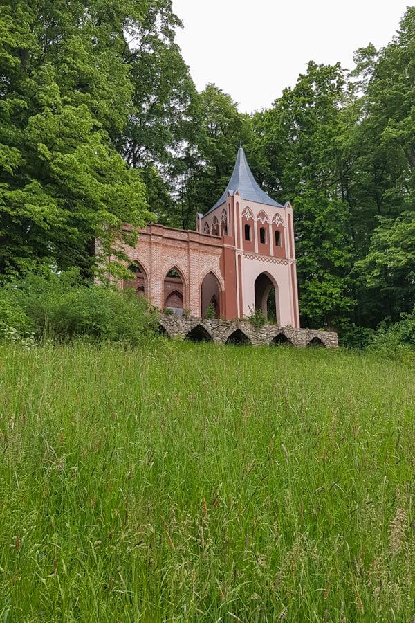 bukowiec-dolny-slask-rudawy-janowickie-mauzoleum-rodzina-von-reden