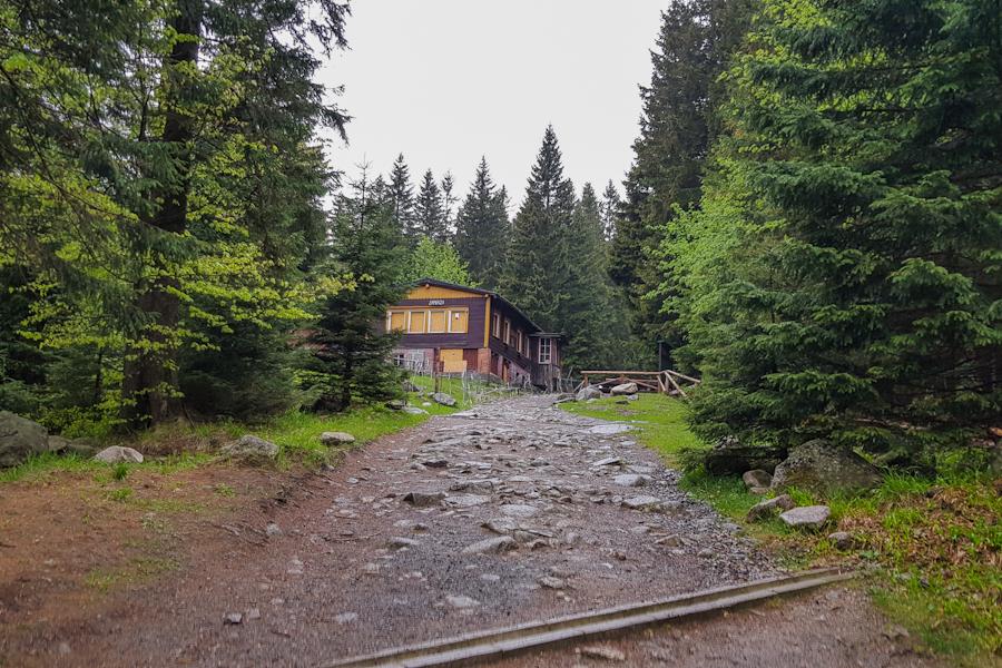 schronisko-nad-lomniczka-karkonoski-park-narodowy-karkonosze-dolny-slask