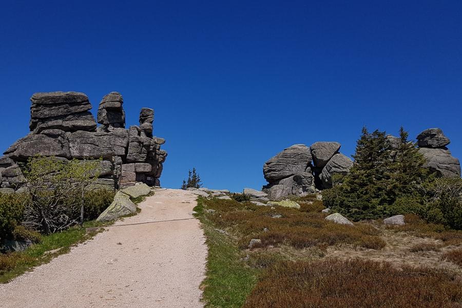 formacja-skalna-trzy-swinki-karkonosze-karkonoski-park-narodowy-dolny-slask